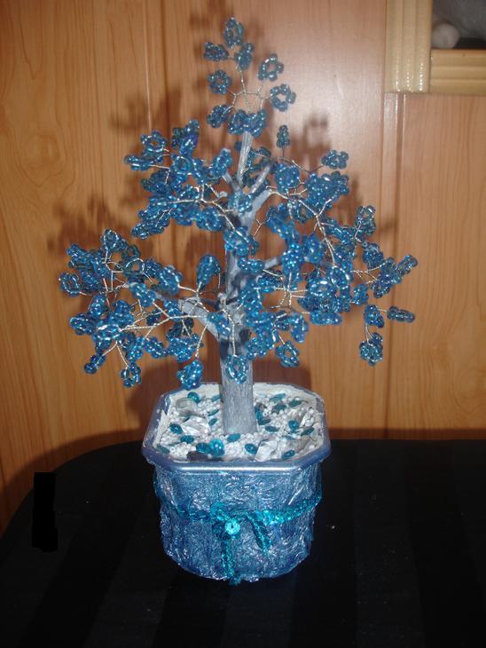 Бисер ледяное дерево